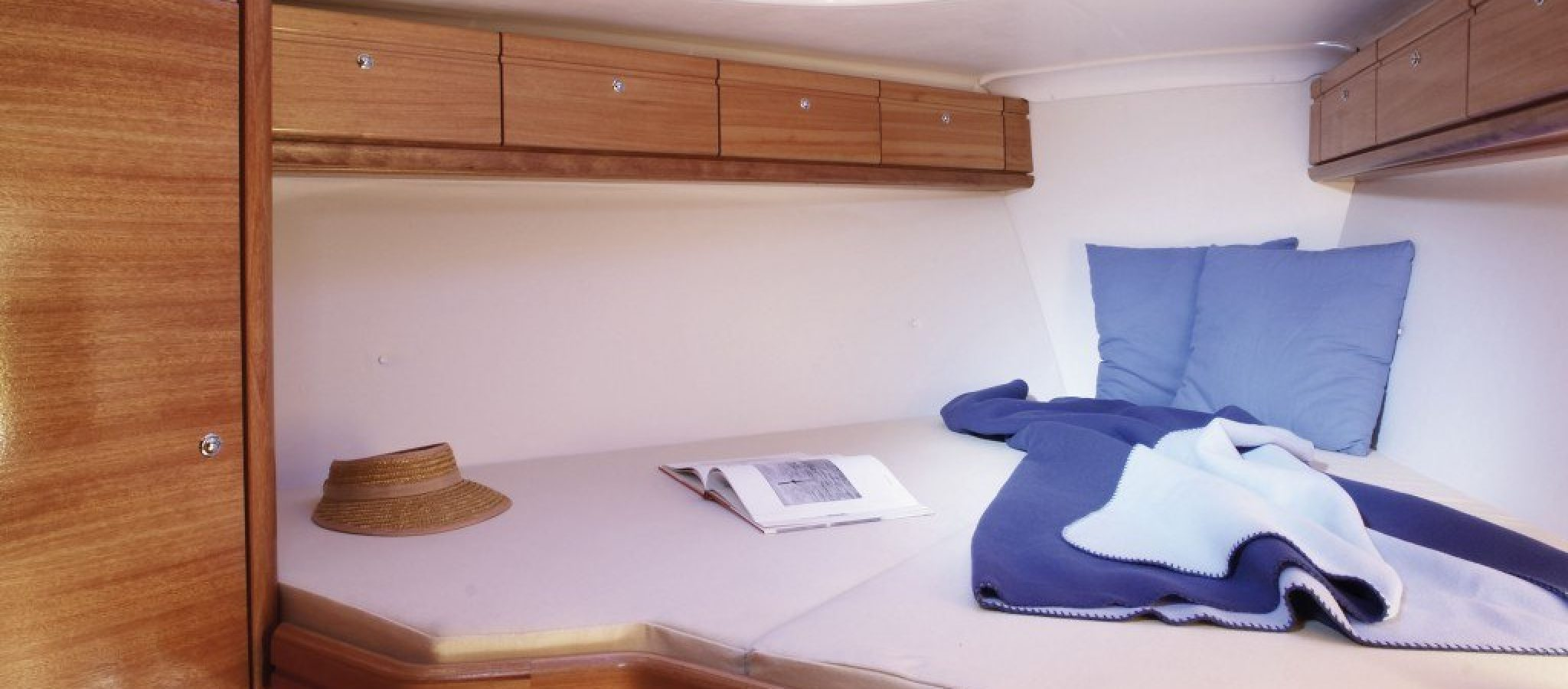 Bavaria 33 cruiser cabine
