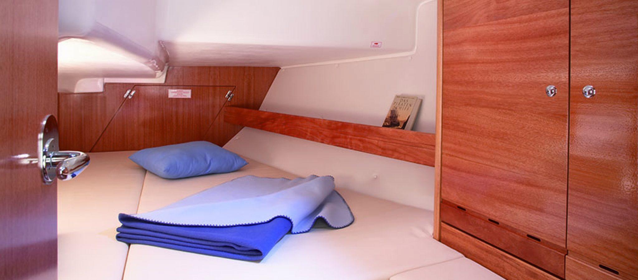 Bavaria 37 cruiser cabine