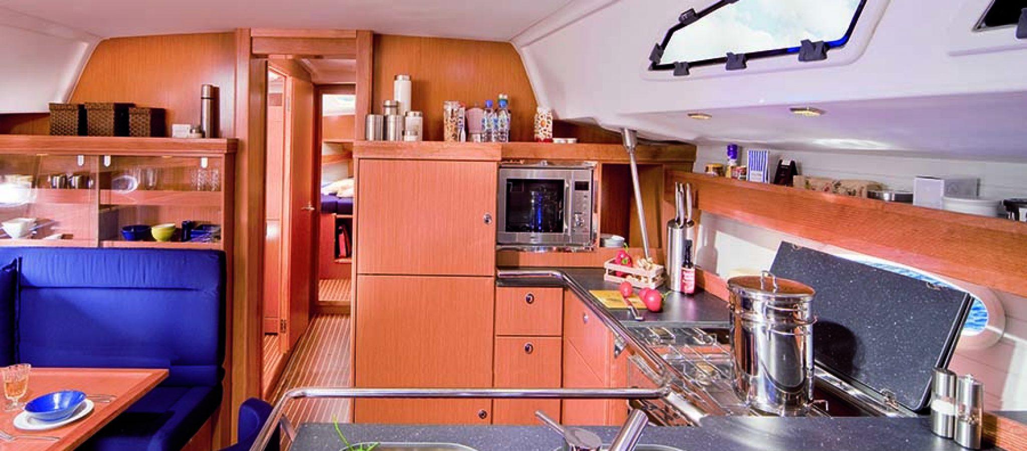 Bavaria 51 cruiser cuisine