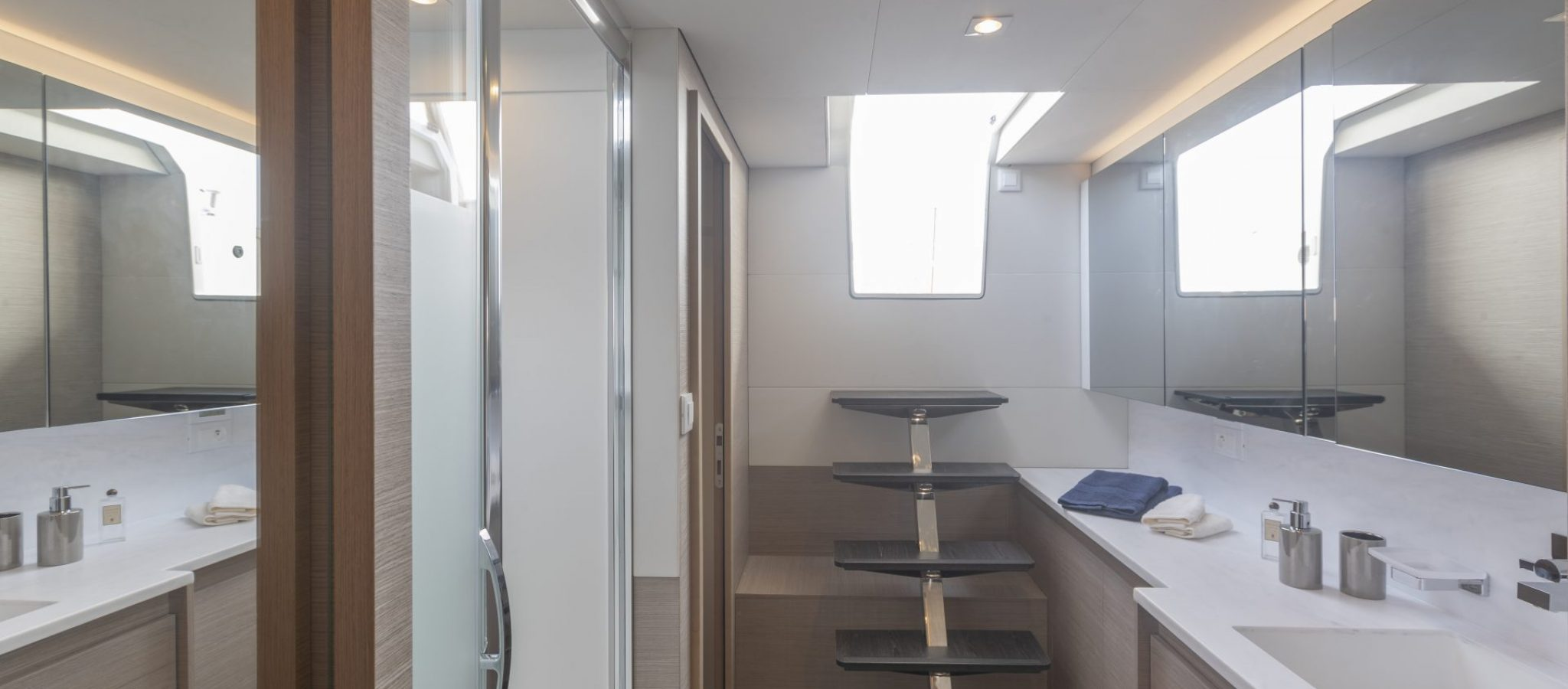 Fountaine-Pajot-Samana-59-Owner-Suite