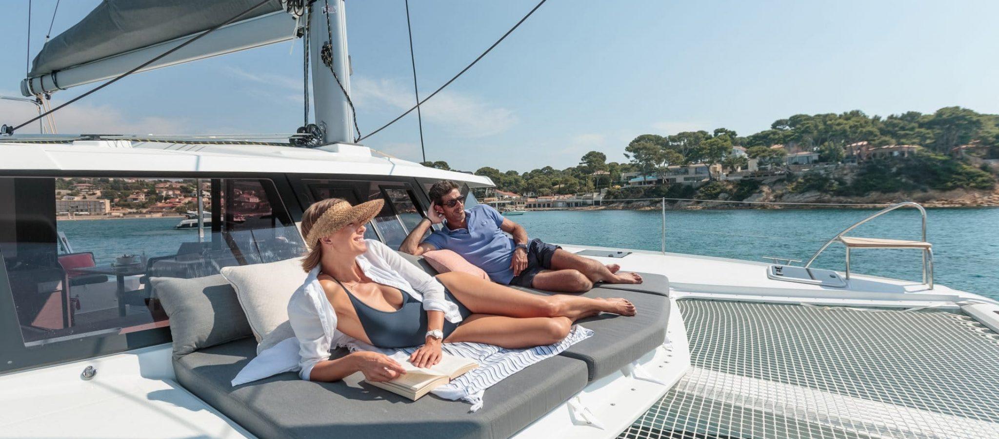 Catamaran à voile Isla 40 salon avant